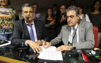 OAB/RJ assina pacto em defesa dos animais comunitários