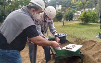 Escavações nos jardins do Palácio de Cristal encontram tesouros arqueológicos dos Séculos XIX e XX.